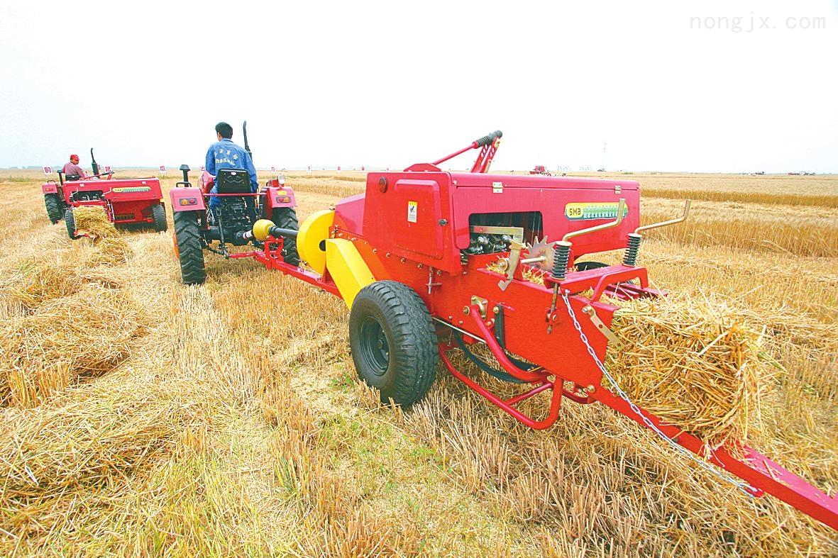 厂家直销玉米秸秆方捆机 牧草方捆捡拾式打捆机