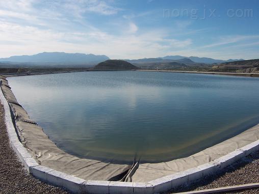 西北地区干旱储蓄水工程防水材料HDPE防渗膜