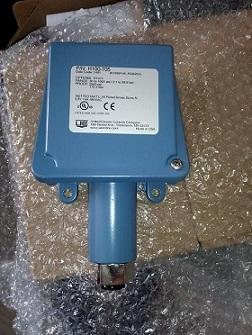 H100-521炉膛负压美国UE压力开关H100-521