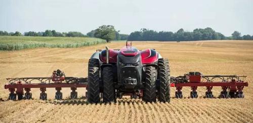 无人驾驶农机  改变农业生产模式