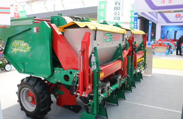2020年大蒜机械化生产田间演示会在青岛平度举行