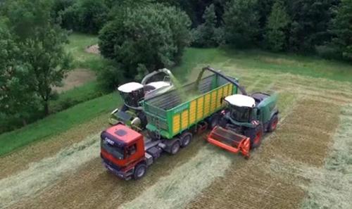克拉斯VS芬特  国外农机高效的草料收获对决